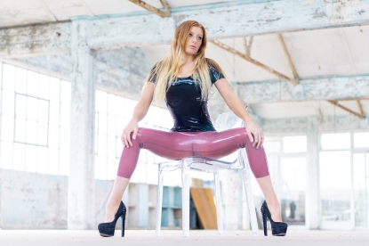 Teodora Cropped Leggings  - Latex clothing